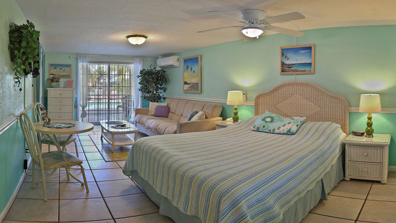 Studio Apartment Queen Bed studio apartment poolside #2 :: manatee bay inn, ft. myers beach